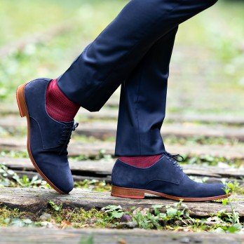 Midnight blue cotton lisle socks with red houndstooth pattern