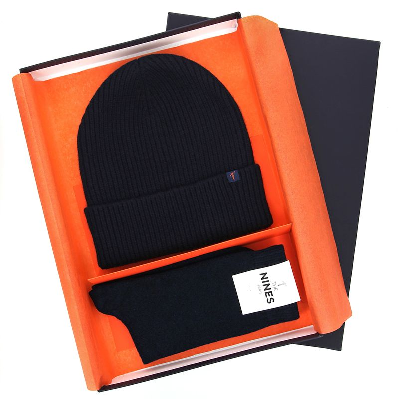 Winter gift set - Navy blue wool beanie and cashmere socks