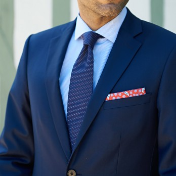 Navy blue Jacquard silk tie with red dots