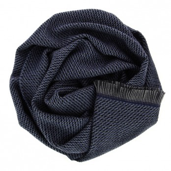 Blue merino wool scarf with plaited pattern